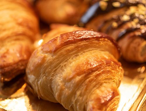 Croissant – simplu și cu ciocolată
