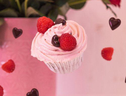 Cupcakes cu ciocolată și zmeură